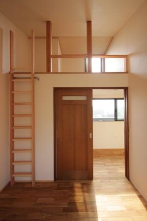 「緑豊かな高台に建つ二世帯住宅」完成前のWEB内覧_f0170331_168492.jpg
