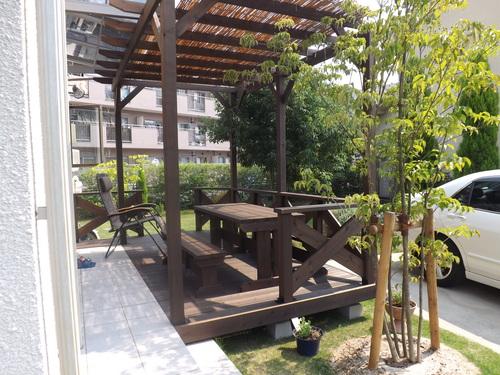 T様邸、ウッドデッキ、フェンスを施工しました_d0237564_16373843.jpg