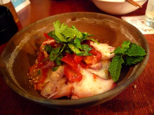 北千住 : タイ、徳島、さらに各国をつなぐ「チャイヤイ」坂本広シェフの独特料理世界_e0152073_19382828.jpg