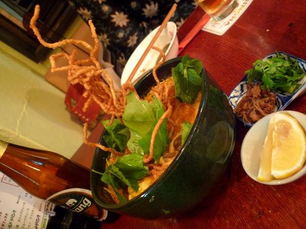 北千住 : タイ、徳島、さらに各国をつなぐ「チャイヤイ」坂本広シェフの独特料理世界_e0152073_19383371.jpg