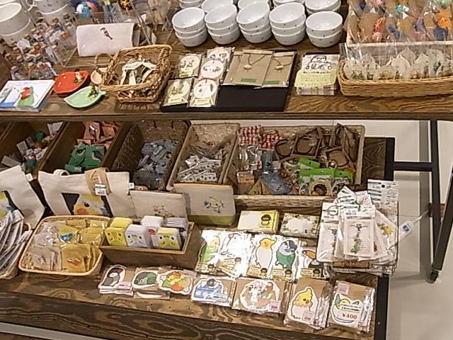 インコと鳥の雑貨展の初日の様子、ふくろはこ展折返し_d0322493_4572076.jpg
