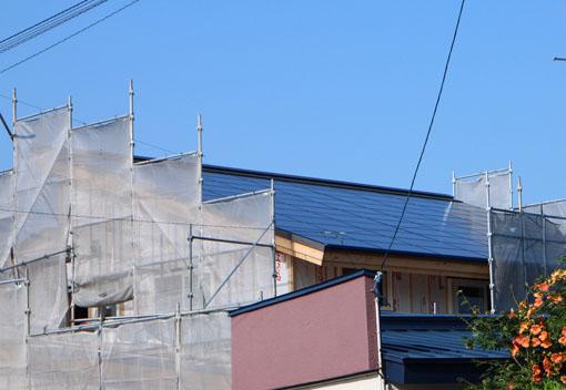ゼロエネルギーハウス松長布:断熱材施工_e0054299_8324478.jpg