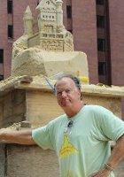 NYの高層ビルの谷間に巨大な砂のお城が登場!!! Water Street Pops!_b0007805_0192025.jpg