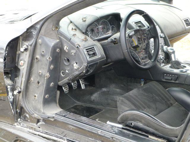 007の車_f0096017_1930544.jpg