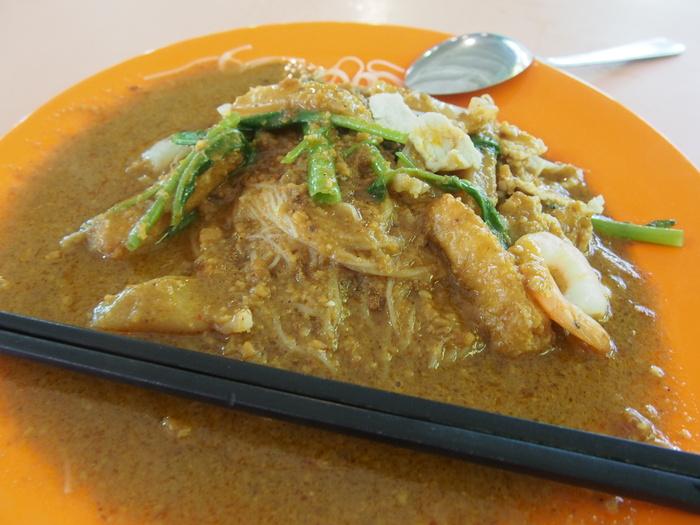 2013 7月 シンガポール(17) お初の味はビミョ〜 Centre Satay Bee Hoon_f0062122_3322230.jpg