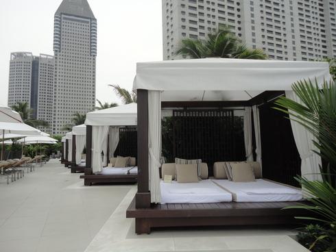大好き♪シンガポール旅行 その12 プールサイドで読書♪_f0054260_163645.jpg