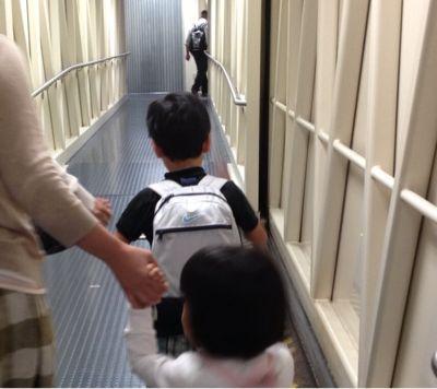 家族旅行ハワイ②ホノルル空港からホテルへ_d0285416_21501176.jpg