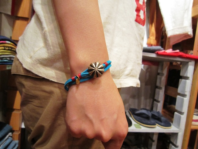 "BUTTON WORKS ""USA Concho Suede Bracelet\"" ご紹介_f0191324_1003119.jpg"