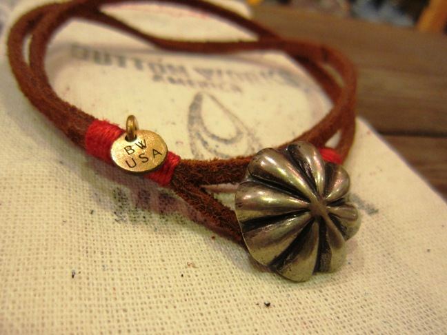 "BUTTON WORKS ""USA Concho Suede Bracelet\"" ご紹介_f0191324_956921.jpg"