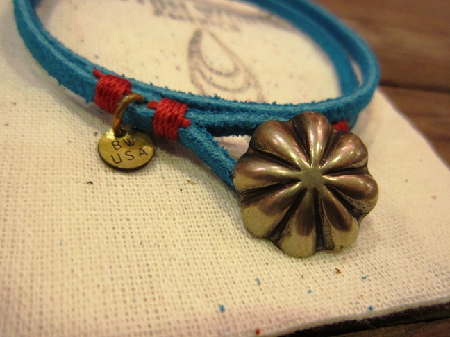 "BUTTON WORKS ""USA Concho Suede Bracelet\"" ご紹介_f0191324_9573575.jpg"
