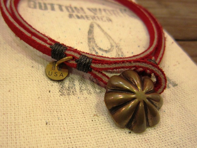 "BUTTON WORKS ""USA Concho Suede Bracelet\"" ご紹介_f0191324_957458.jpg"
