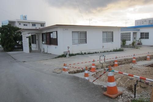 under construction._c0153966_1023676.jpg