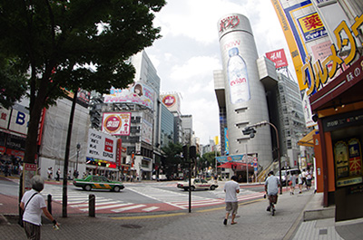 8月13日(火)の渋谷109前交差点_b0056983_1253310.jpg
