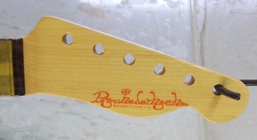 芹澤さんオーダーの「Moderncaster T #023」を着色。_e0053731_18583916.jpg