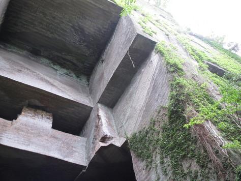 房州石採石場にて_a0157159_1592327.jpg