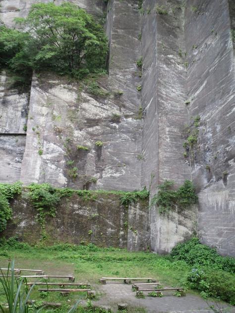 房州石採石場にて_a0157159_2255868.jpg