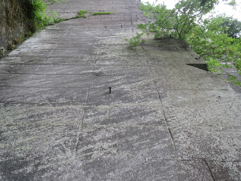房州石採石場にて_a0157159_2283915.jpg