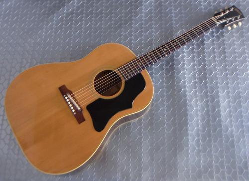 セラミック仕様の「1966年製 Gibson J-50」が入荷です!_e0053731_14213744.jpg
