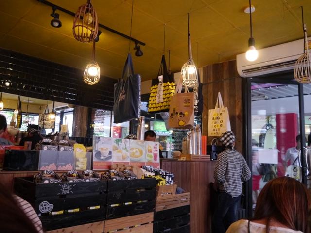 タイに行く。⑤ ~バンコクの良かったカフェまとめ~_f0232060_1355376.jpg