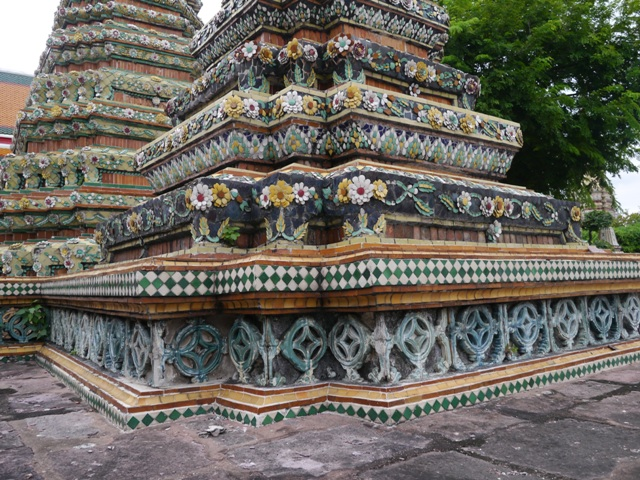 タイへ行く。⑥ ~リクライニング・ブッダ~_f0232060_15303171.jpg
