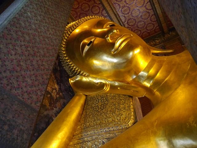 タイへ行く。⑥ ~リクライニング・ブッダ~_f0232060_15372411.jpg