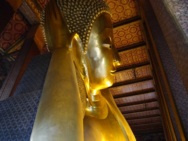 タイへ行く。⑥ ~リクライニング・ブッダ~_f0232060_1538426.jpg