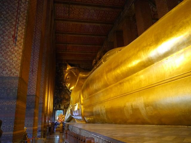 タイへ行く。⑥ ~リクライニング・ブッダ~_f0232060_1539871.jpg