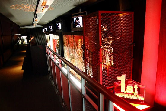 『hide MUSEUM 2013』大阪ユニバーサル・スタジオ・ジャパン(R)で開催スタート_e0197970_134562.jpg