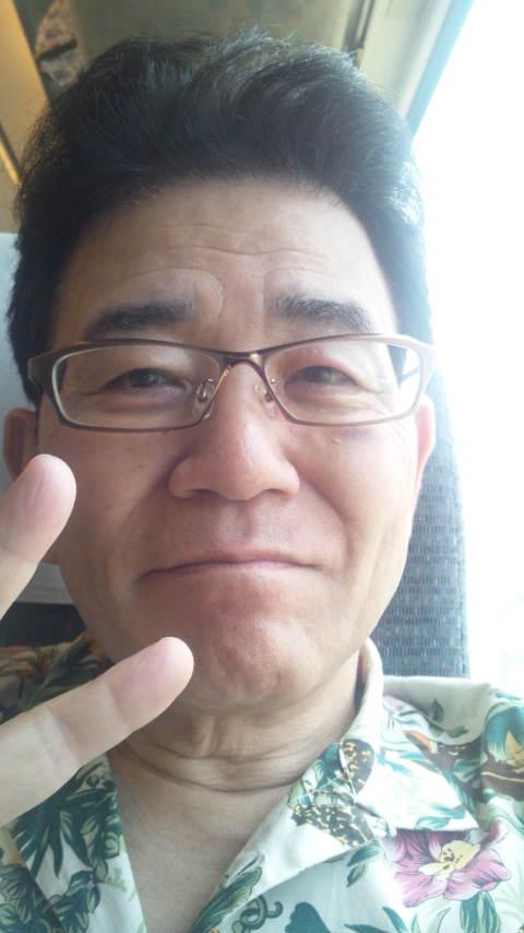今、しらさぎ号に乗り換え北陸本線を福井に向かっています。_e0119092_11303291.jpg