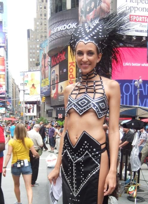 夏のニューヨークのタイムズ・スクエア_b0007805_22105836.jpg
