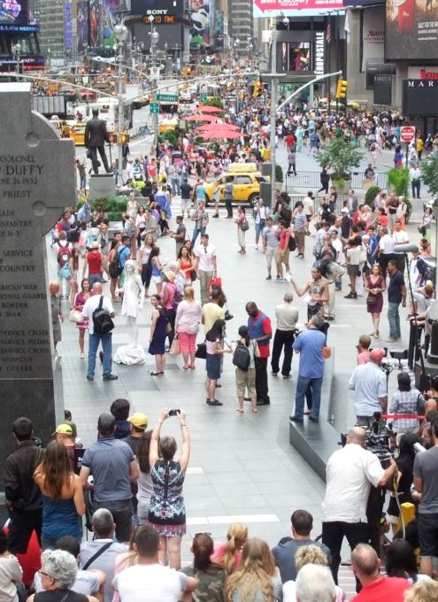 夏のニューヨークのタイムズ・スクエア_b0007805_22112222.jpg