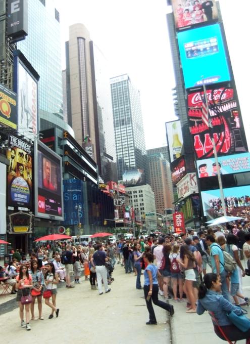 夏のニューヨークのタイムズ・スクエア_b0007805_229024.jpg