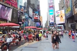 夏のニューヨークのタイムズ・スクエア_b0007805_2291820.jpg