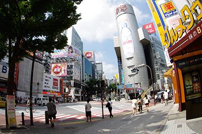 8月16日(金)の渋谷109前交差点_b0056983_10593346.jpg
