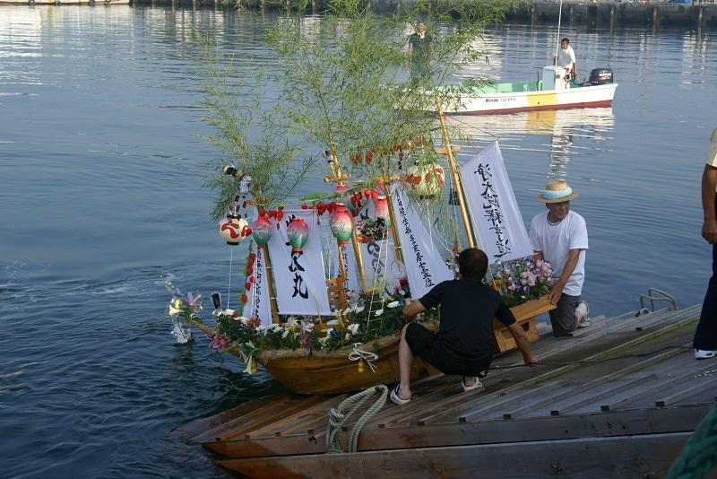 毎年恒例の「盆船流し」 北茨城市_b0183886_1724986.jpg