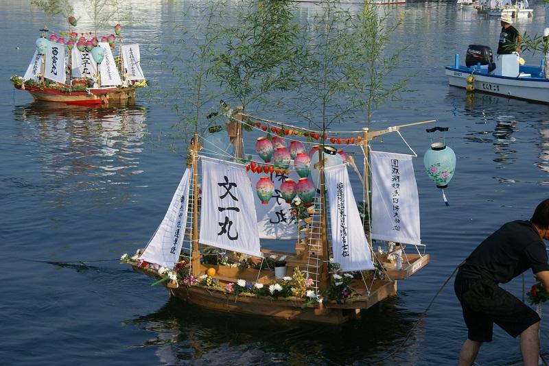 毎年恒例の「盆船流し」 北茨城市_b0183886_17264017.jpg