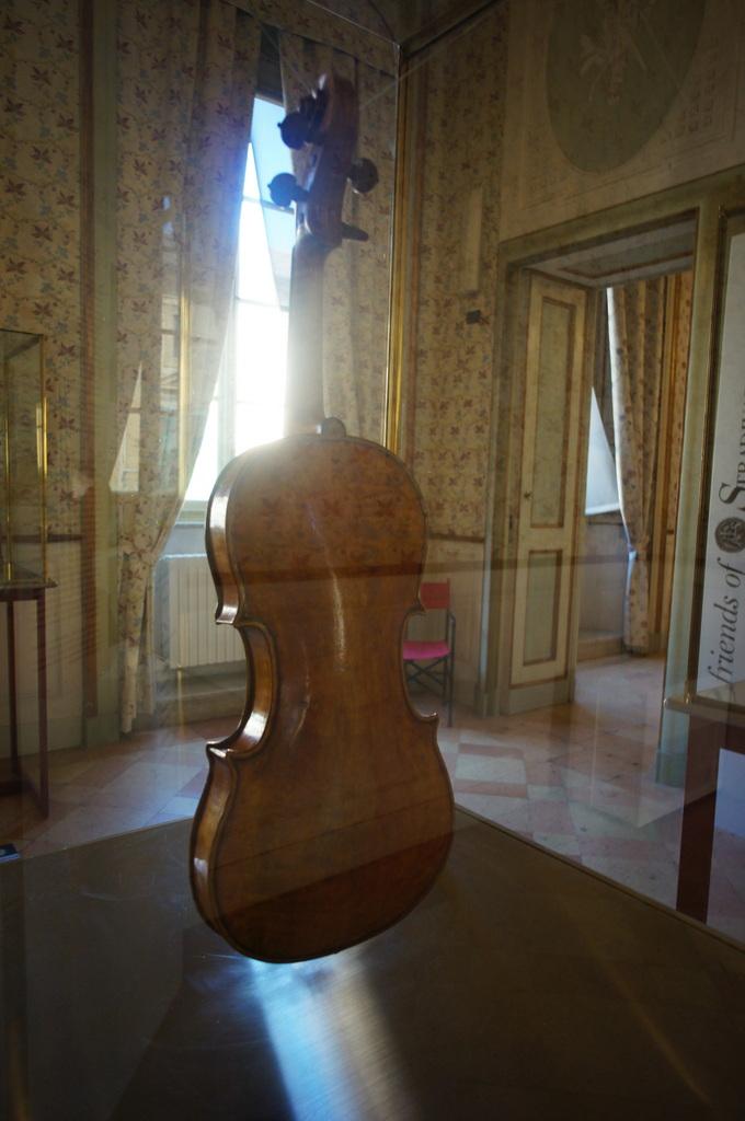 イタリア日記@伯林Vol.5 弦楽器の町クレモナ。_c0180686_22145748.jpg
