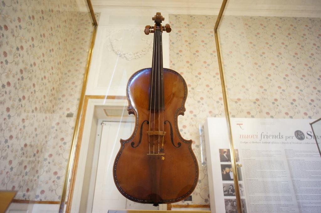 イタリア日記@伯林Vol.5 弦楽器の町クレモナ。_c0180686_2217548.jpg