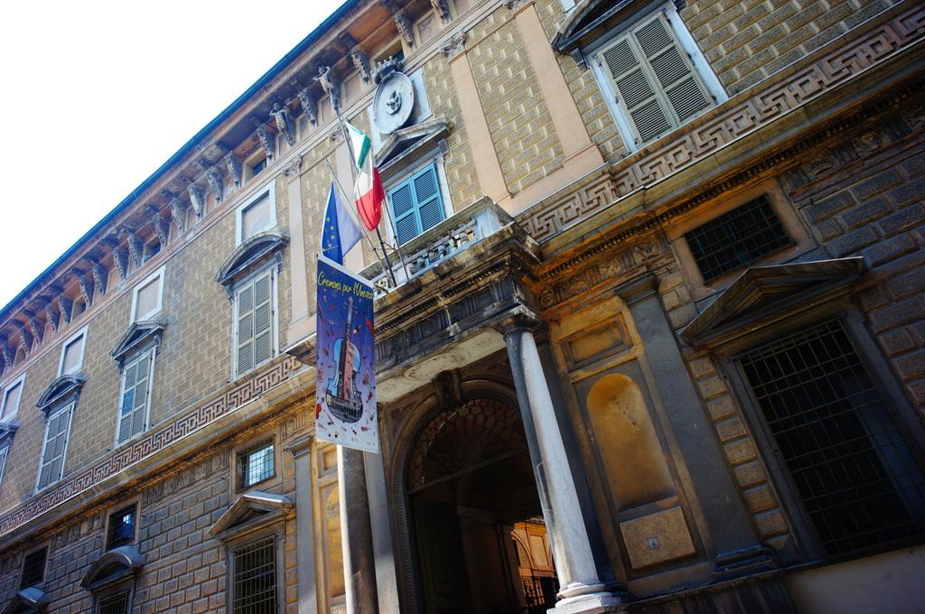 イタリア日記@伯林Vol.5 弦楽器の町クレモナ。_c0180686_22273089.jpg