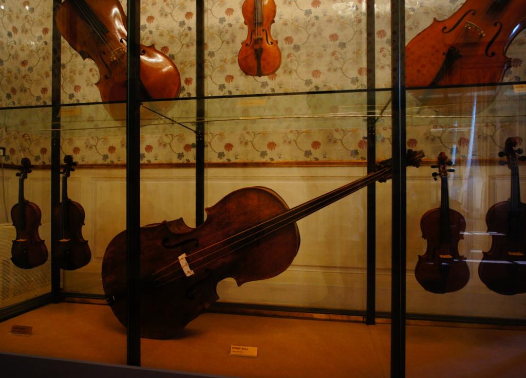 イタリア日記@伯林Vol.5 弦楽器の町クレモナ。_c0180686_22312238.jpg
