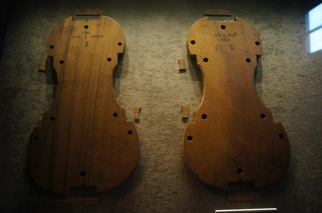 イタリア日記@伯林Vol.5 弦楽器の町クレモナ。_c0180686_22334328.jpg