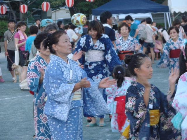 盆踊り大会_a0063907_23442844.jpg