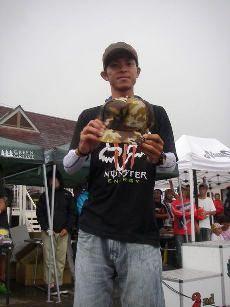 2013.第8回琵琶湖でバスフィッシングを楽しもう会レポート _a0153216_132355100.jpg