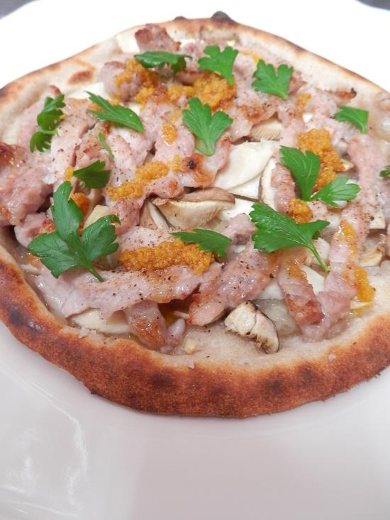 人気の「天然酵母ピザ」は、_a0125419_2073058.jpg