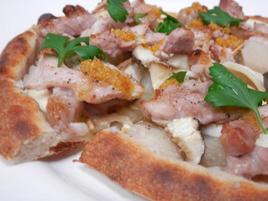 人気の「天然酵母ピザ」は、_a0125419_2082658.jpg