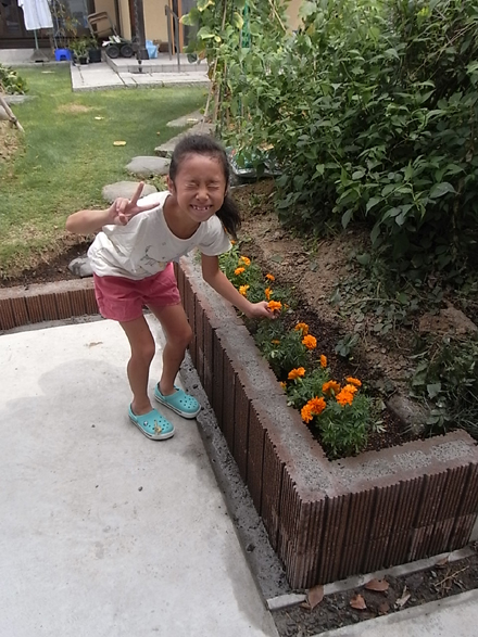 『つながりの家』 花壇作り_e0197748_1039169.jpg