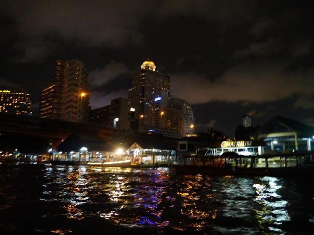 タイへ行く。⑪ ~63階からの絶景「スカイ・バー」~_f0232060_1457960.jpg