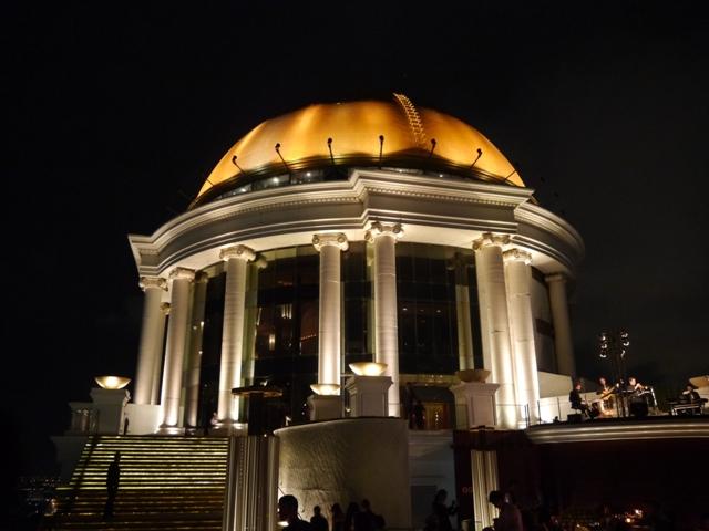 タイへ行く。⑪ ~63階からの絶景「スカイ・バー」~_f0232060_14594495.jpg