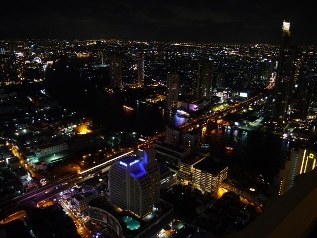 タイへ行く。⑪ ~63階からの絶景「スカイ・バー」~_f0232060_1532440.jpg
