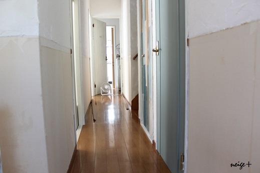 廊下のDIY全セルフリフォーム終了&壁紙貼り方のポイント_f0023333_23215765.jpg